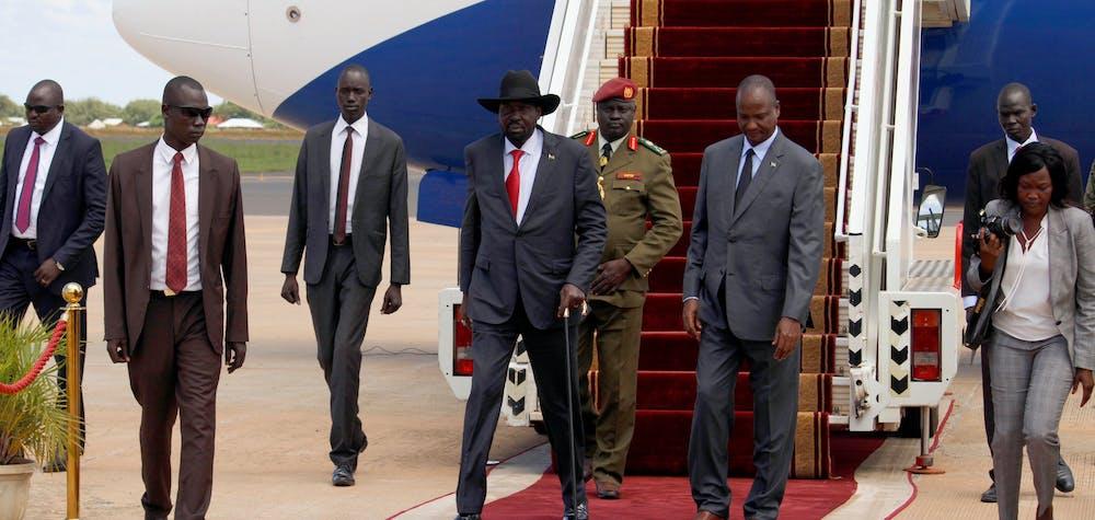 Arrivée du président sud-soudanais Salva Kiir à l'aéroport international de Juba, Soudan du Sud.