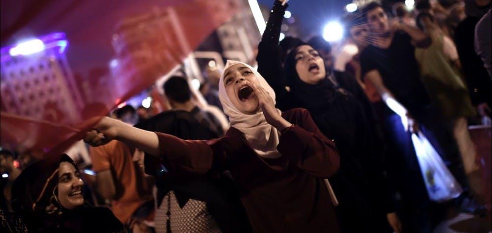 Rassemblement de soutiens d'Erdogan place Taksim ce 16 juillet après la tentative de coup d'Etat