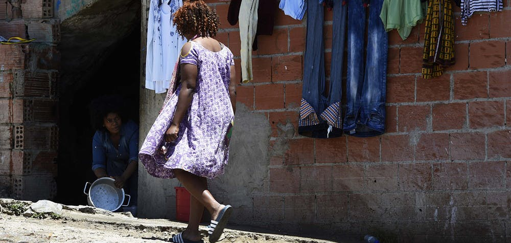 Une femme migrante à Alger © FAROUK BATICHE/AFP/Getty Images