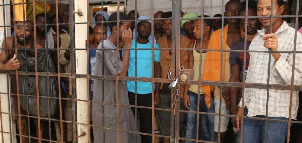 Des réfugiés dans un centre de détention de fortune près de Misrata, Libye, 16 octobre 2015