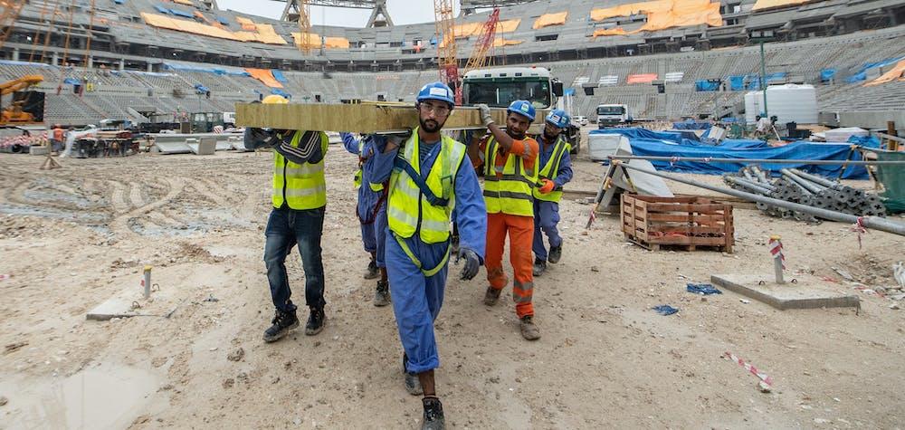 Vue générale des travaux de construction du stade Lusail, le 10 décembre 2019 à Doha, au Qatar. Le Lusail Stadium accueillera le match d'ouverture et le match final de la prochaine Coupe du Monde de la FIFA, Qatar 2022