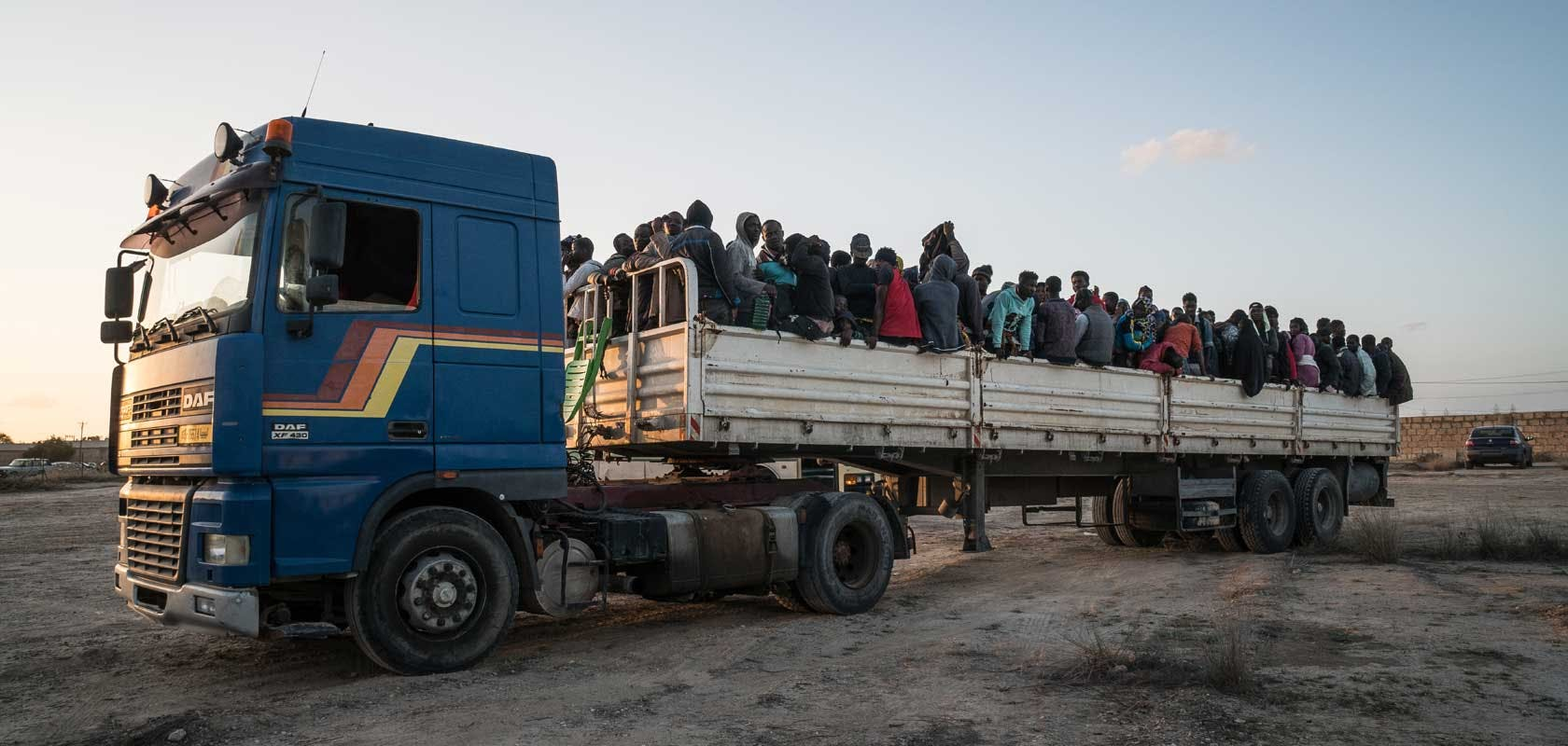 Réfugiés transportés vers un centre de détention en Libye