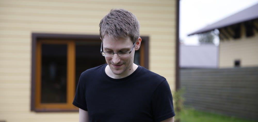 """Edward Snowden dans le film """"Citizen Four"""" de Laura Poitras"""