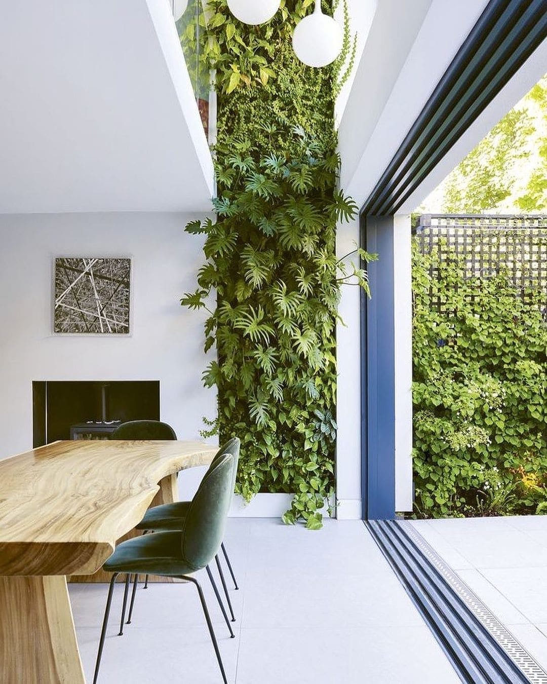 Pared vegetal en comedor