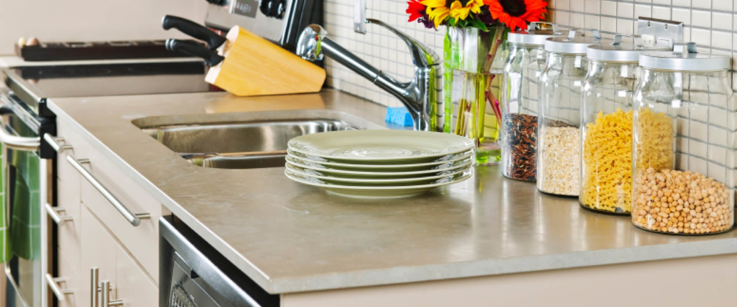 Pros And Cons Of Laminate Countertops In A Kitchen