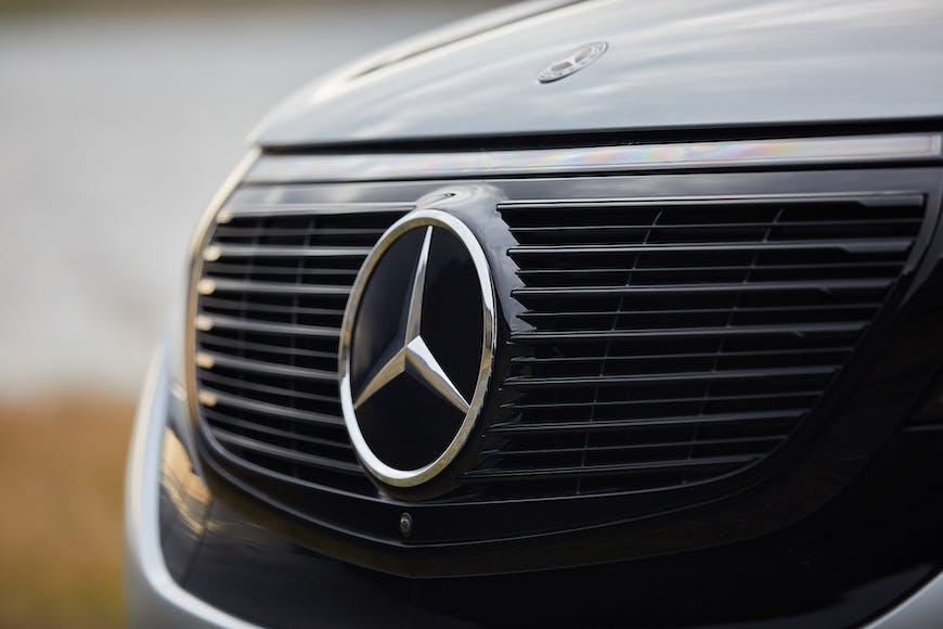 Mercedes-Benz EQC grill