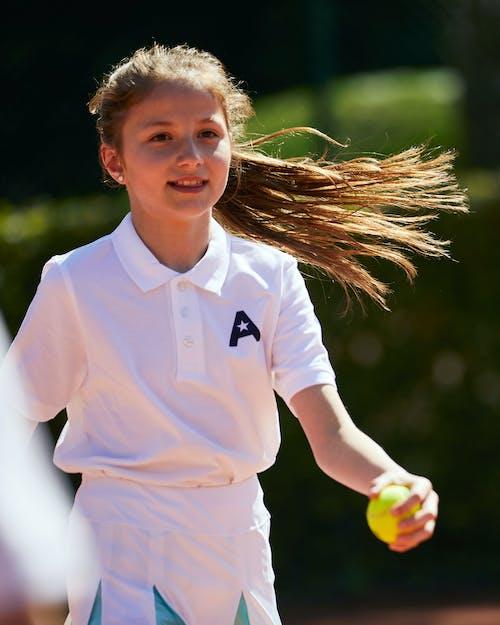 Tennis- und Badmintoncamps für Kinder