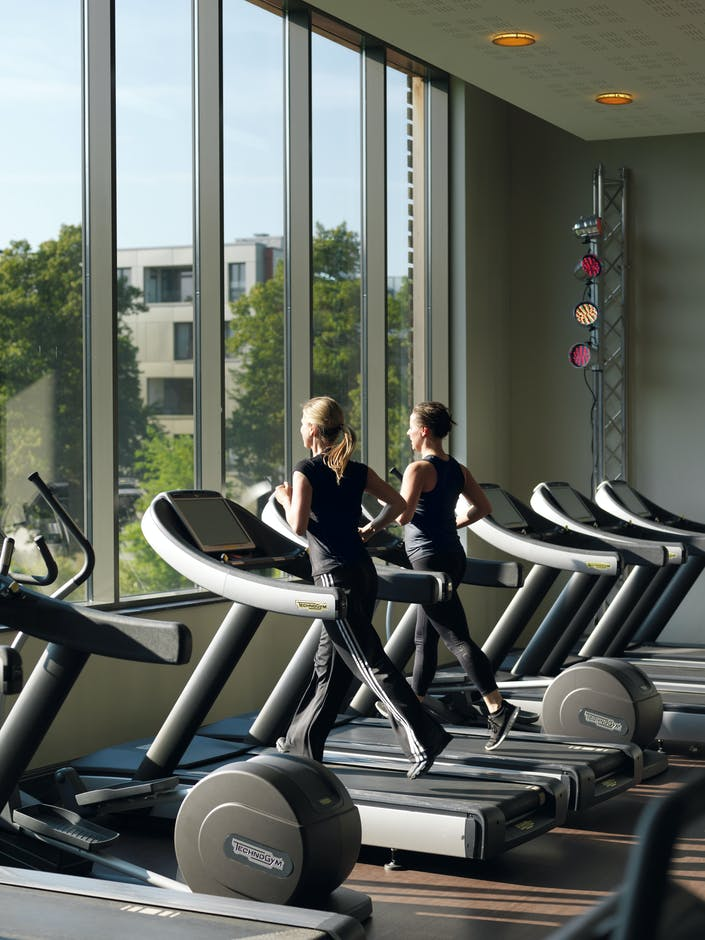 Complimentary access to the Club's exceptional facilities, from landscaped gardens to pristine pools, spa and fitness areas.