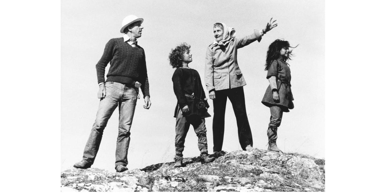 Tage Danielsson med Birk, Astrid och Ronja