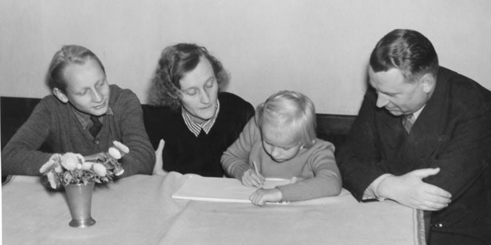Lasse, Astrid, Karin och Sture Lindgren