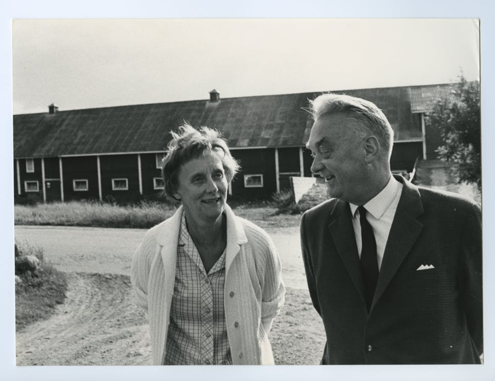 Astrid med sin bror Gunnar