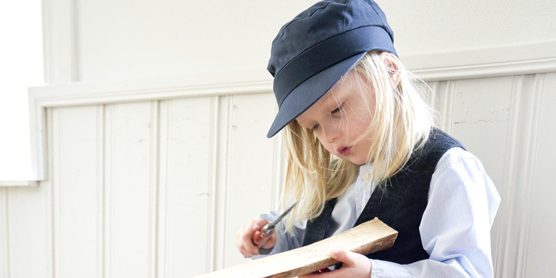 Barn utklätt till Emil i Lönneberga