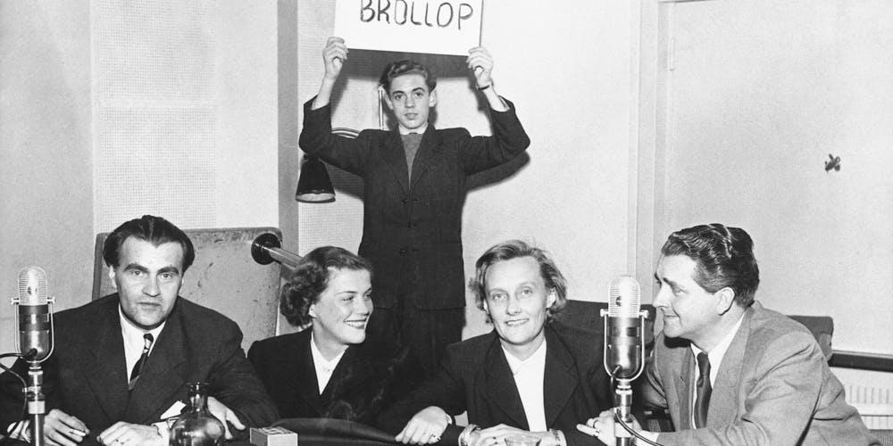 Astrid i studio med radioprogrammet tjugo frågor