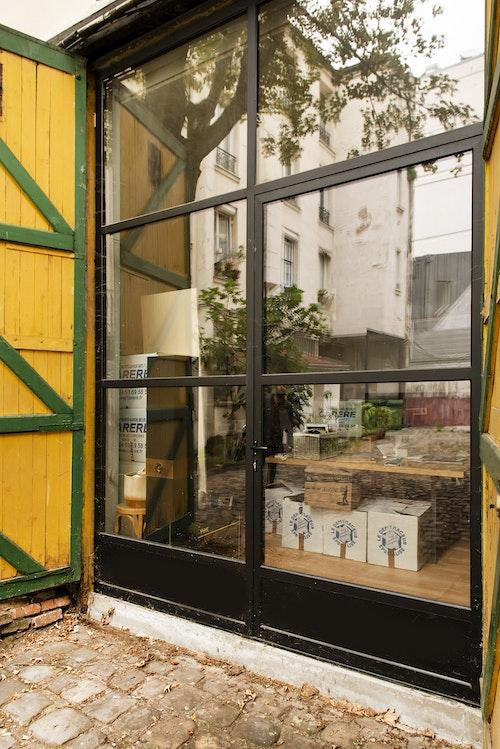 Lancelot Glass Facade and Door photo 1
