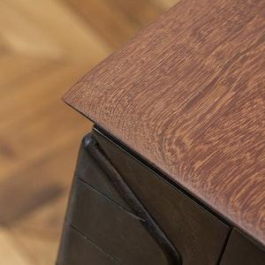 Extendable Table detail 1