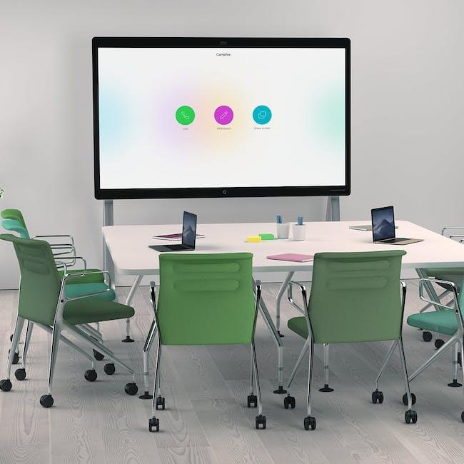 Sala konferencyjna wyposażona w Cisco Webex Devices