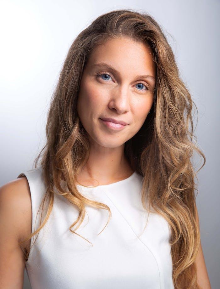 Anaïs LIEFOOGHE - Énergéticienne - Maître enseignante Reïki Usui Coach en psychologie positive et Naturopathe.