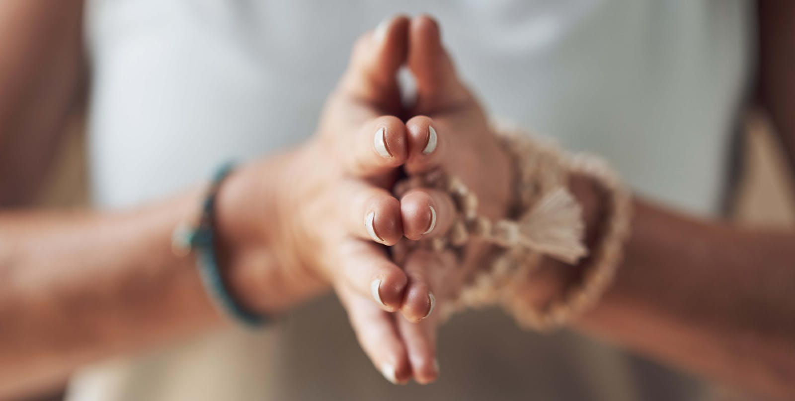 Soin énergétique Reïki et LaHoChi par imposition des mains. Harmonisation et rééquilibrage énergétique.