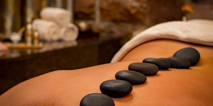 Massage aux huiles et aux pierres chaudes – détente et relaxation – lâcher prise – soin énergétique LaHoChi et Reïki.