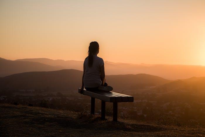 Méditation de pleine conscience et en conscience modifiée – Véritable thérapie du Bonheur grâce à la psychologie positive – relaxation et Bien être – vivre heureux l'instant présent – apaisement – coaching en développement personnel.