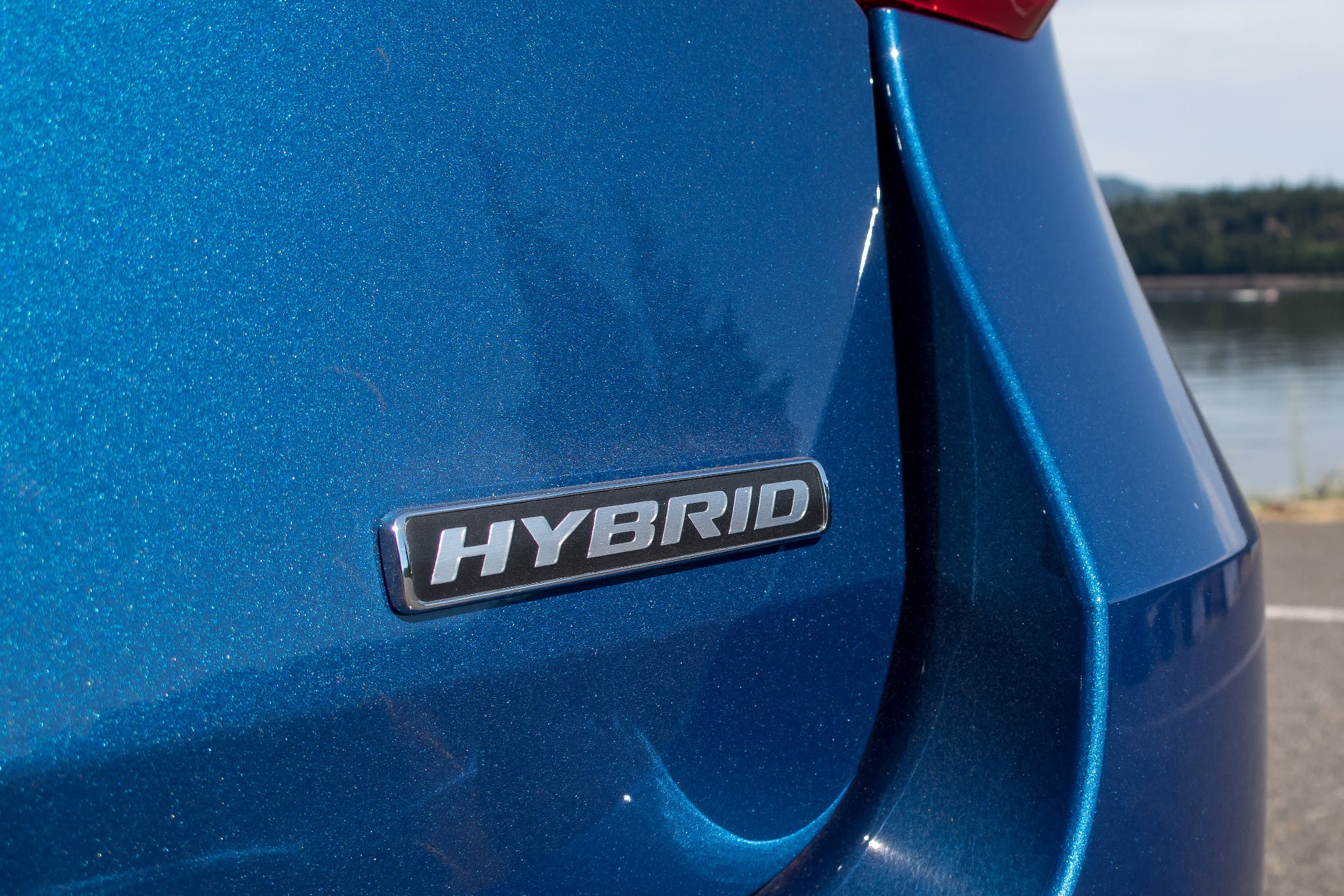 2020 Ford Explorer Hybrid rear logo