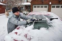 Cómo Quitar Con Seguridad La Nieve Y El Hielo De Tu Auto