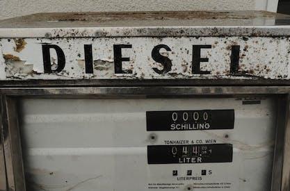 Diesel vs. Gasoline: Which Engine Should I Choose?