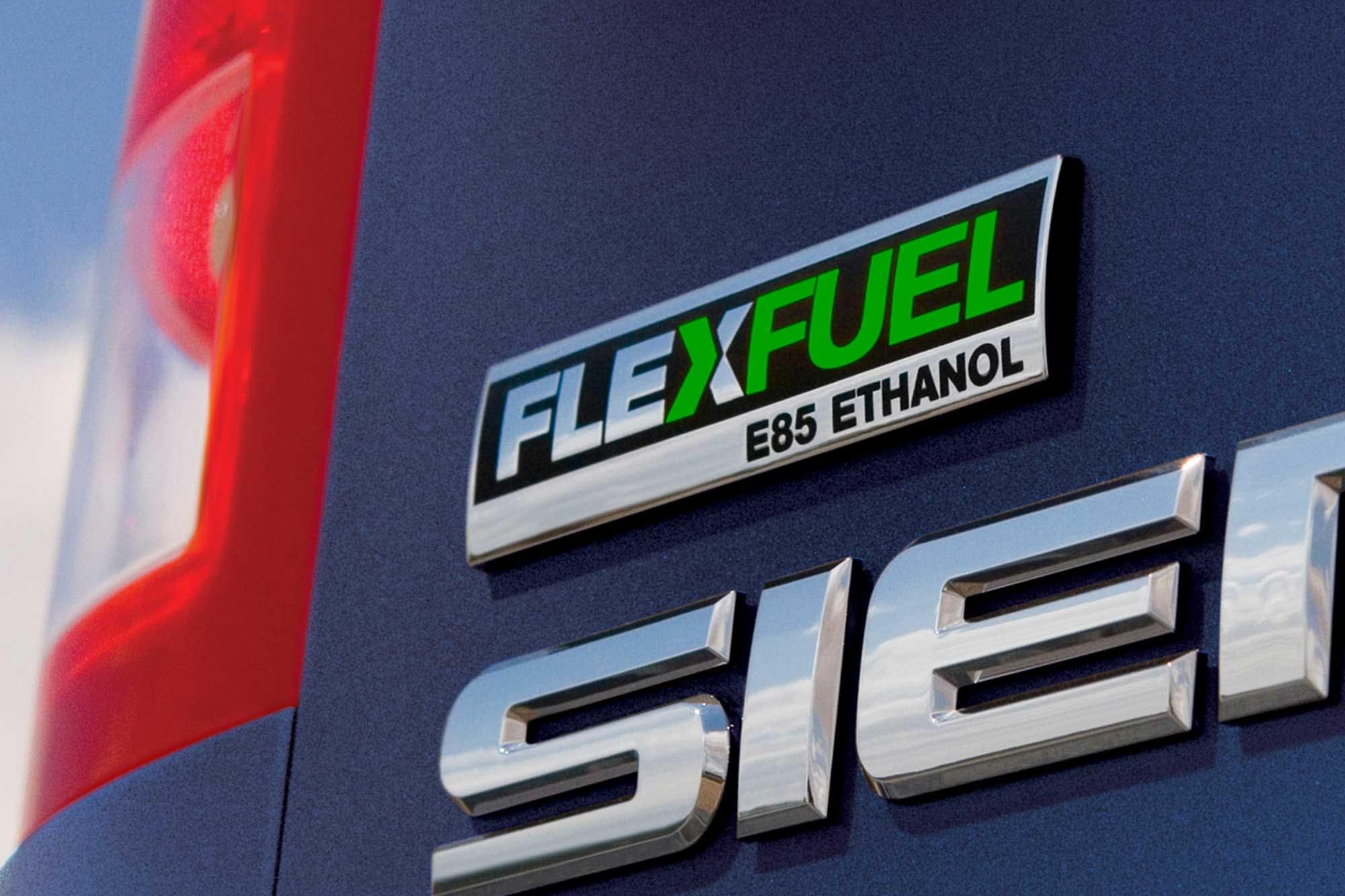 What Is Flex Fuel >> What Is A Flex Fuel Car Auto Com
