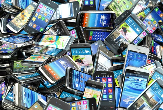 Smartphones and the circular economy