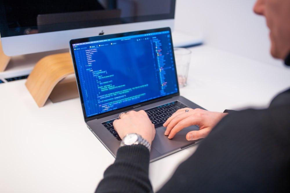 Testen online platform door developer Avocado Media