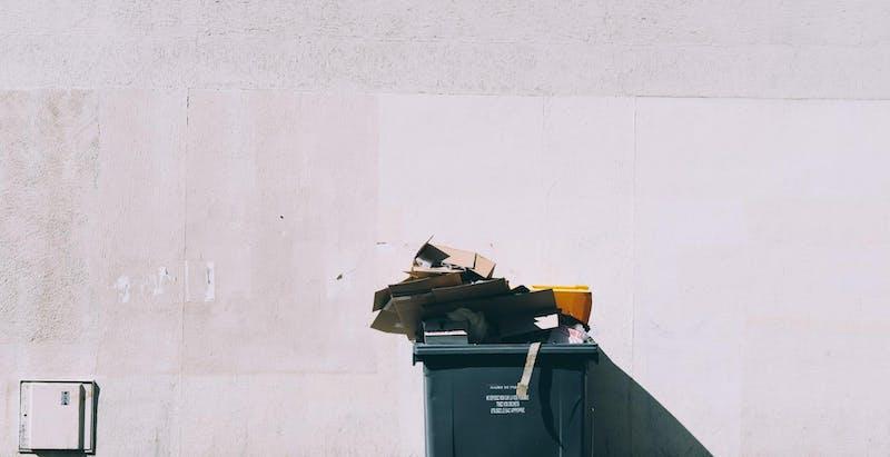 Immeuble locatif et local poubelle