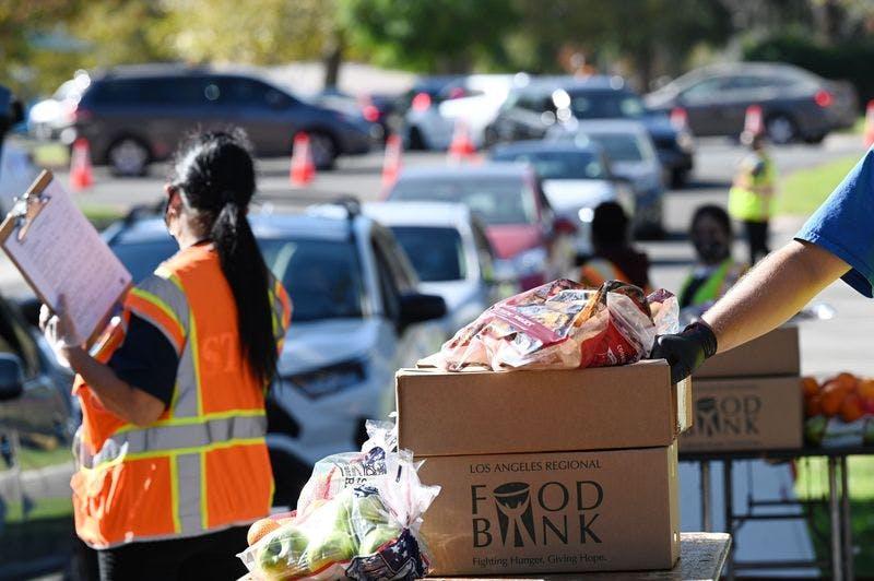 volunteers food bank