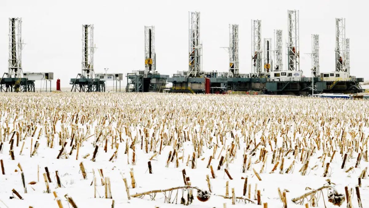 oil rig field winter