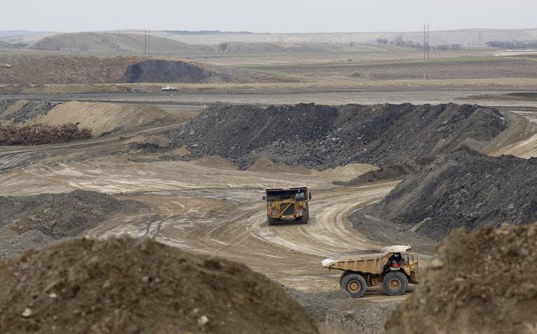 dump trucks coal mine