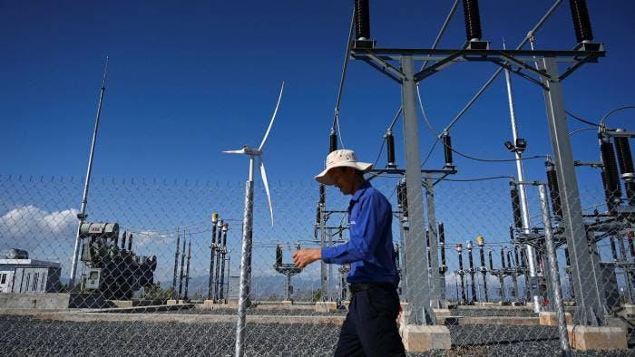wind farm southern vietnam worker