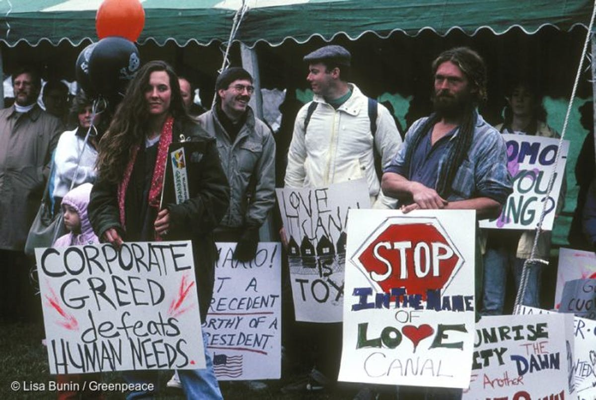 Love Canal protestors