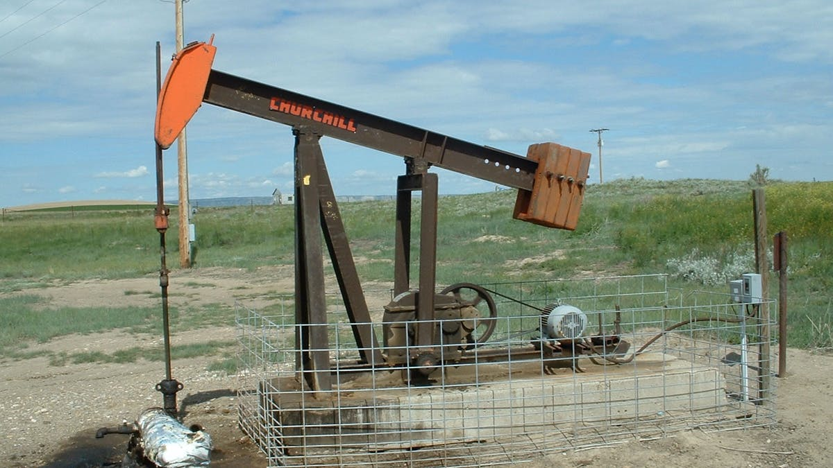 A pump jack operated by Somont Oil. The company received a taxpayer bailout after allegedly ripping off the government.