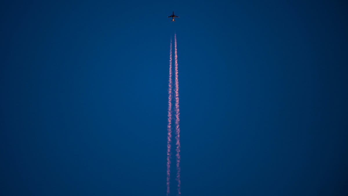 jet fumes in the sky