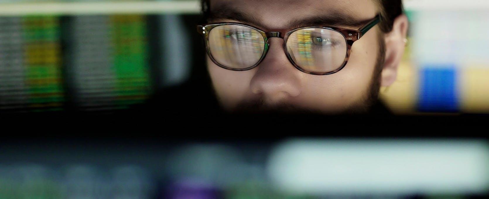 Man analyzes data on the computer