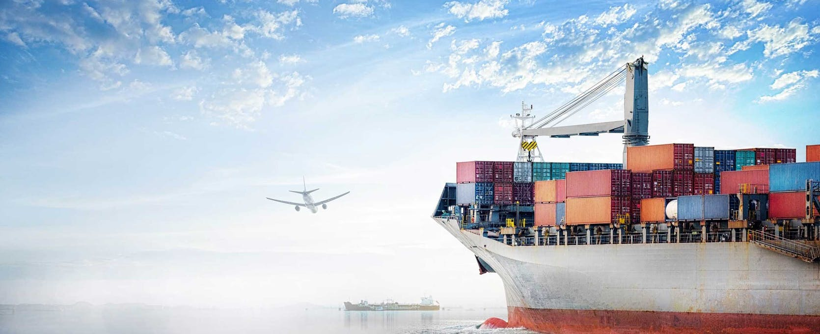 International supply chain, air and shipping