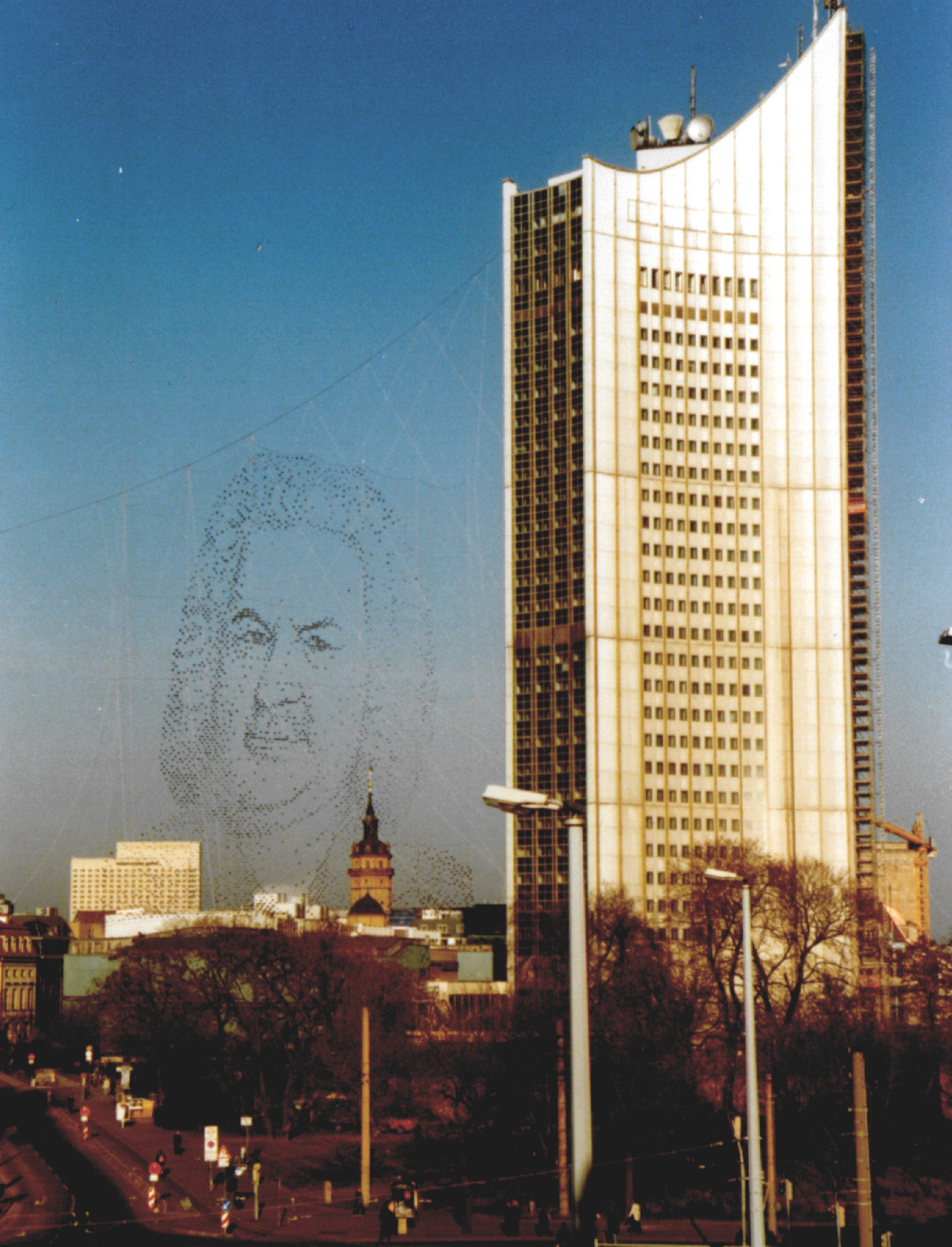Installation »Bach über Leipzig« im Jahr 2000