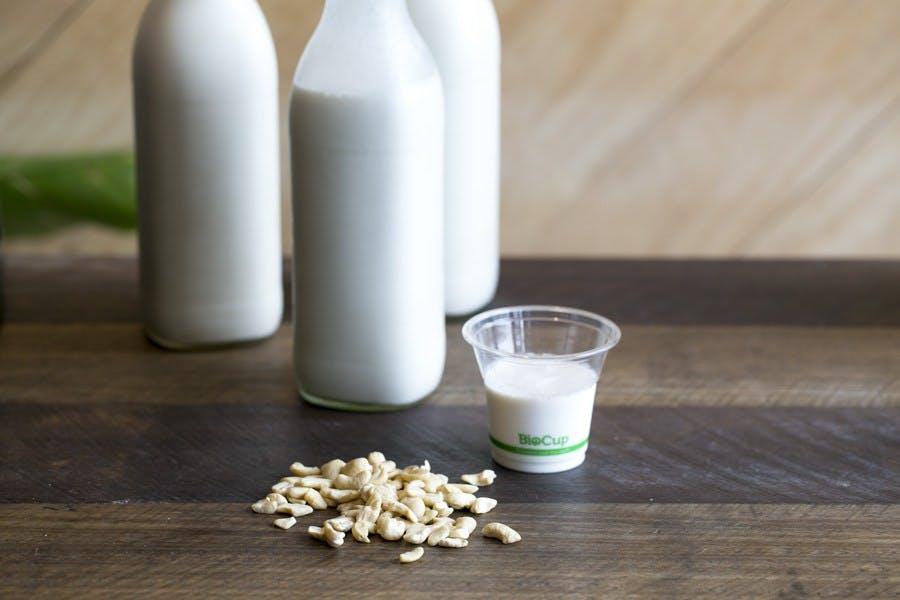 cashew-milk-1 (1).jpg