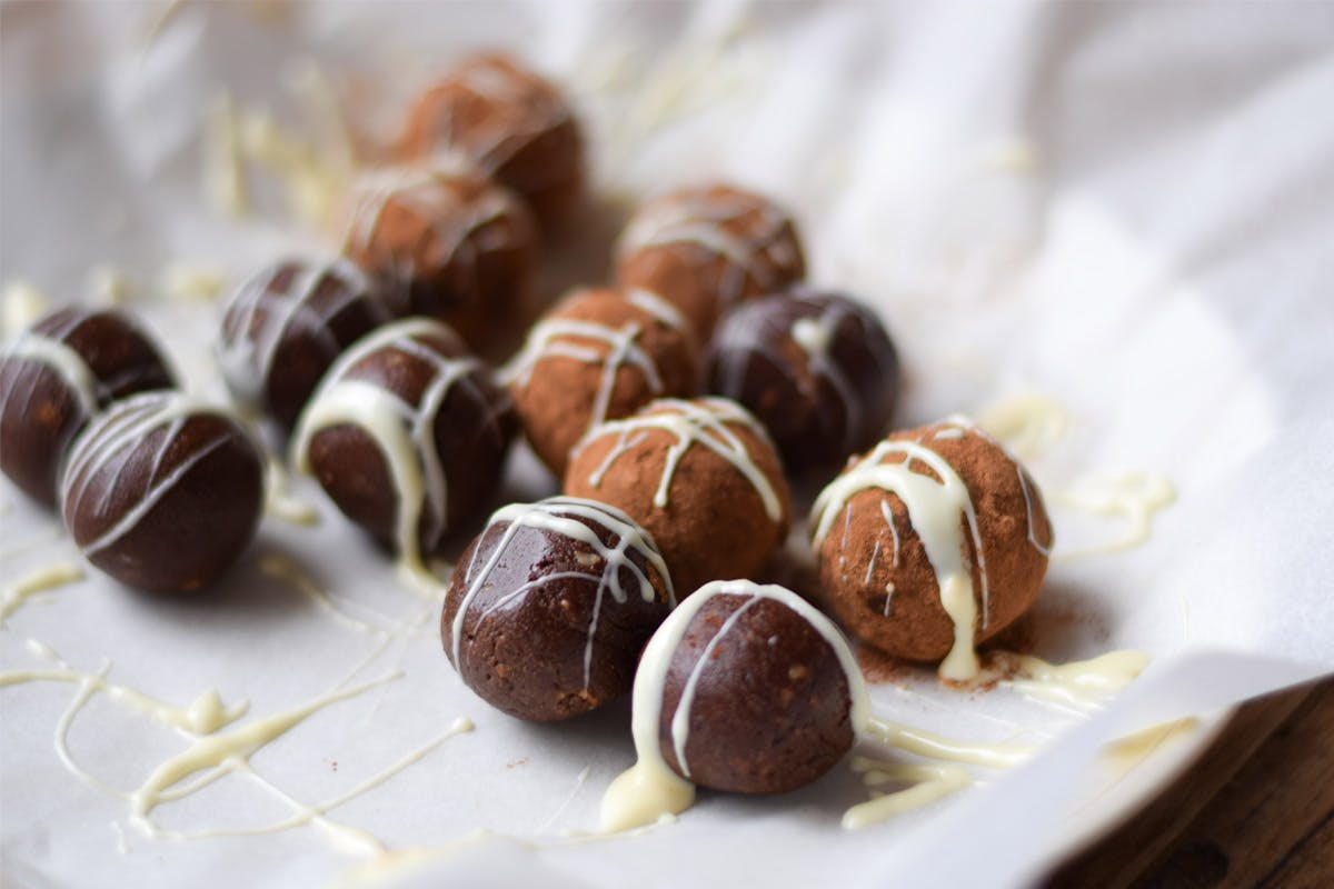 Christmas Spiced Protein Chocolate Truffles