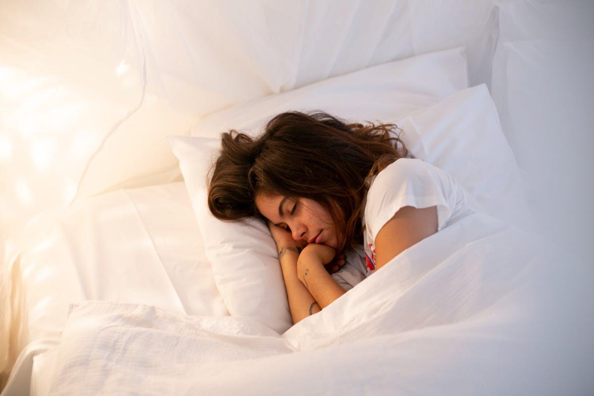sleep-stress-cycle-feature (1).jpg