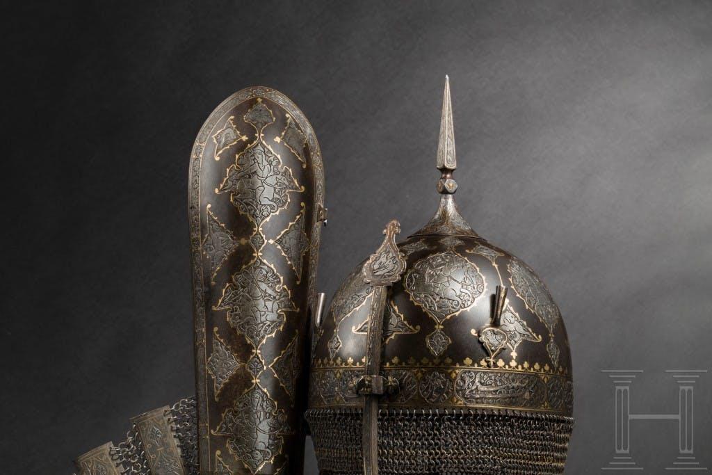 Ensemble d'armure gravée et dorée, Perse, première moitié du XIXe siècle, image ©Hermann Historica