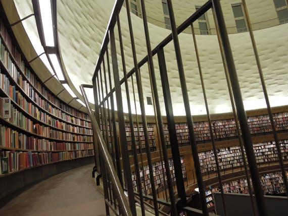 Reklamfilm på Stockholms stadsbibliotek.   Barnebys Magazine