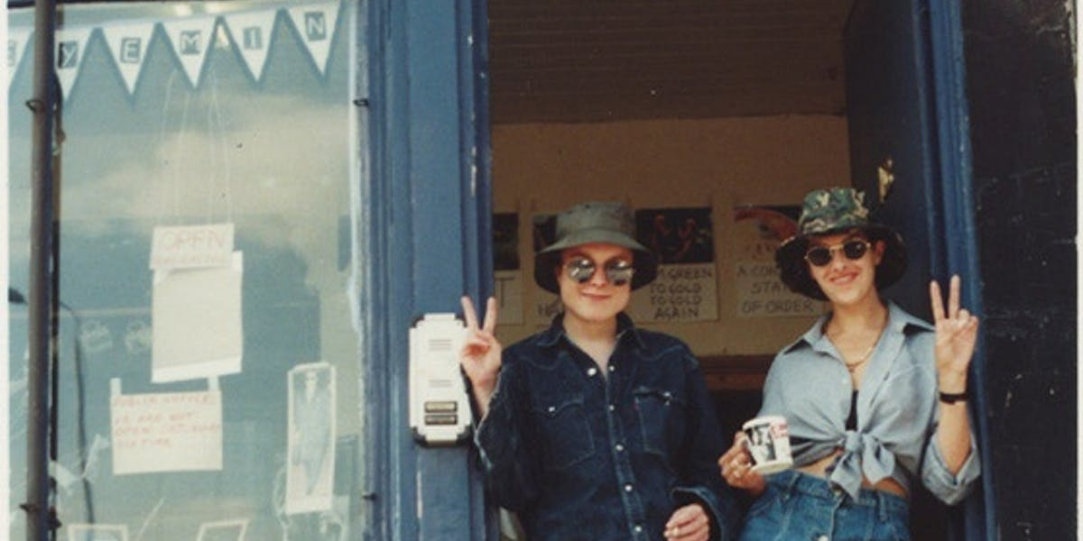 The Shop: Sarah Lucas and Tracey Emin's 1993 Shoreditch revolution |  Barnebys Magazine