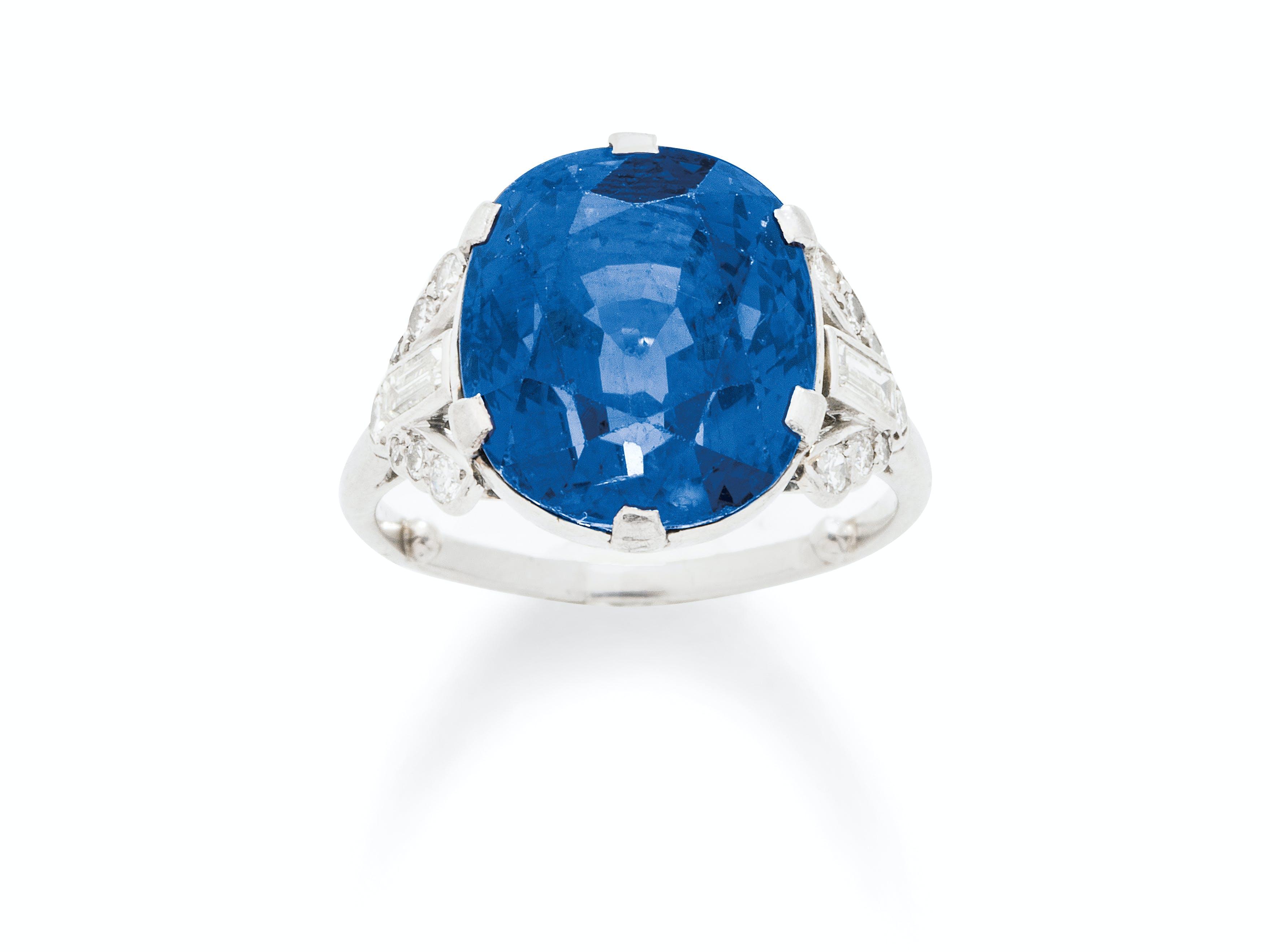 A Very Fine Art Deco Sapphire, Diamond and Platinum Ring, circa 1930