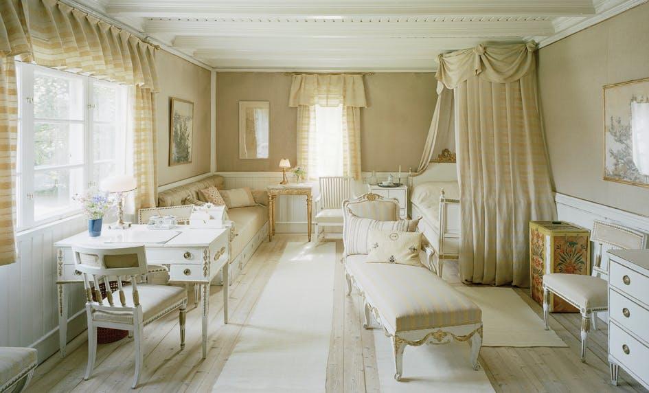 Det vita gästrummet på Zorngården. Foto Åke Eson Lindman