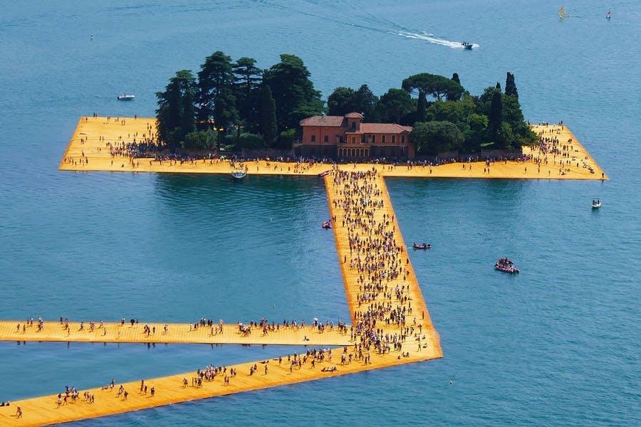 Disparition de Christo, l'artiste qui a emballé le monde | Magazine Barnebys